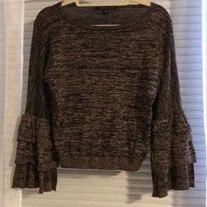 Gorgeous cropped sweater w/ layer bell sleeve sz S